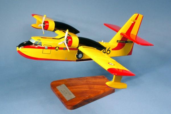 CL215, Schreibtischmodell aus Holz