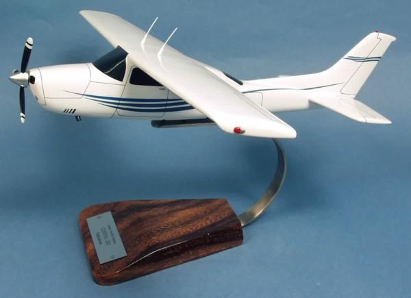 Cessna 210 Centurion, Schreibtischmodell aus Holz