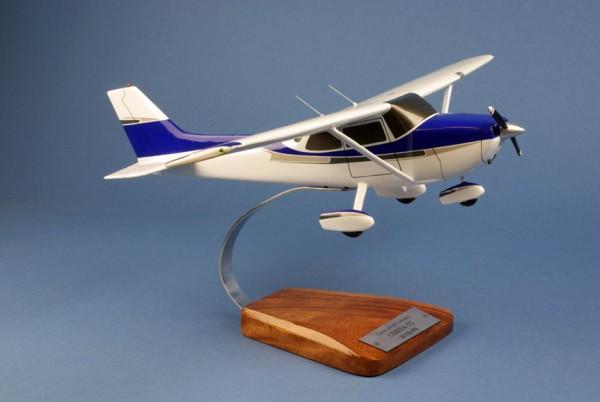 Cessna 172 Skyhawk, Schreibtischmodell aus Holz