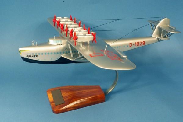 DO X, Schreibtischmodell aus Holz